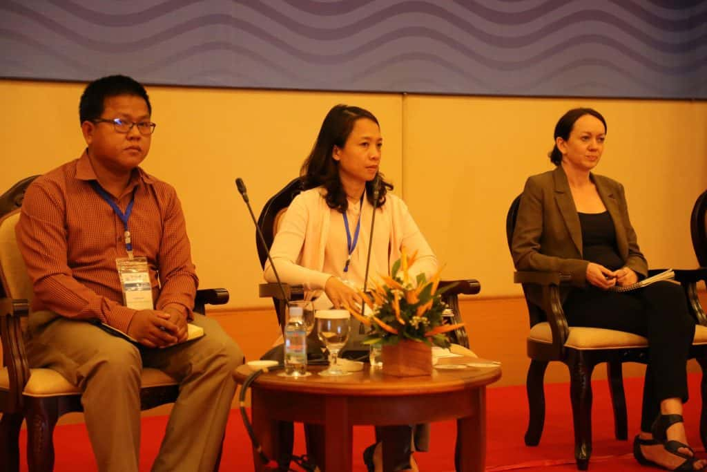 FACT's Senglong Youk (L), Van Nguyen Thi Hong (C) from Vietnam River Network and Maureen Harris (R) from International Rivers, during a panel discussion at the MRC Conference. Oxfam/Mark Tilly
